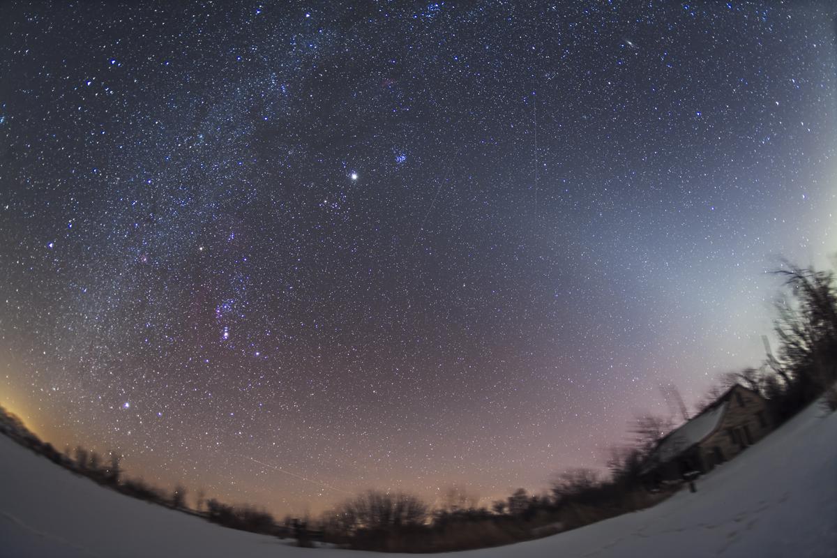 Zodiacal Light rfrom Home (Feb 8, 2013)
