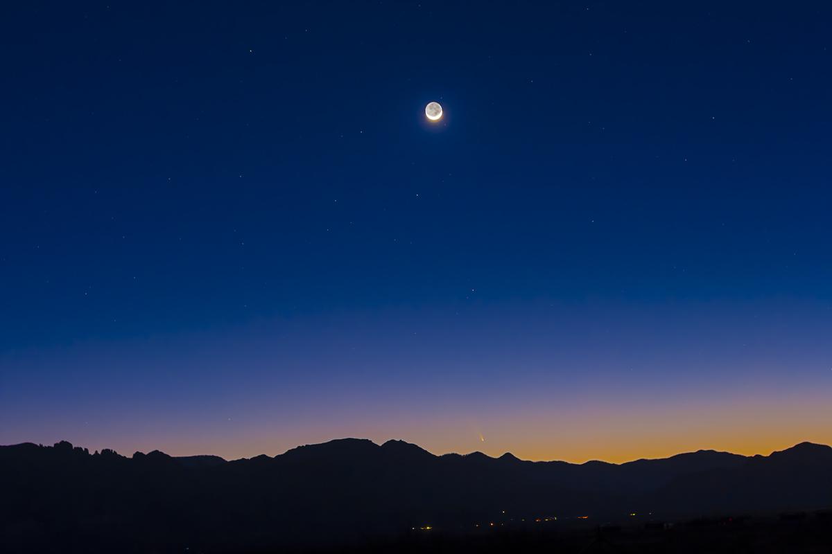 Comet PANSTARRS & the Moon (March 13, 2013)