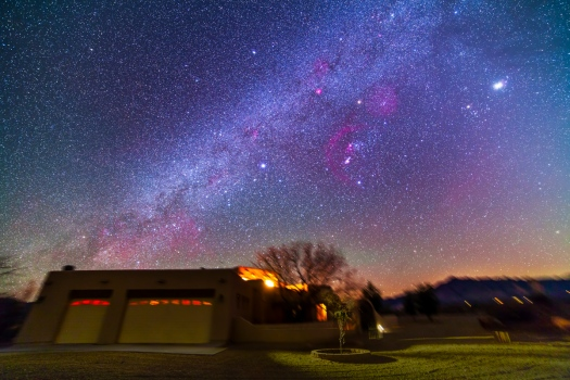 Winter Milky Way over Adobe House (14mm 5DII)