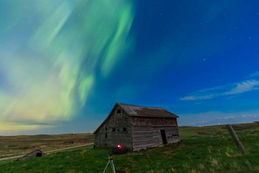 Aurora over Old Barn #1 (May 17-18, 2013)