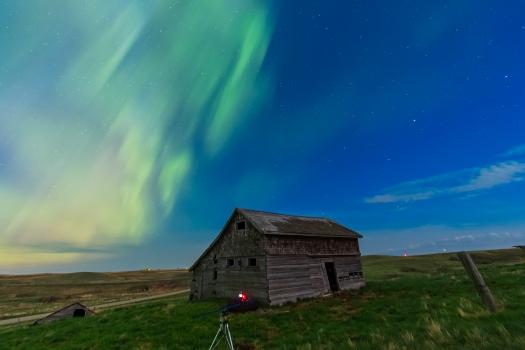 Aurora over Old Barn #1 (May 17-18, 2013)