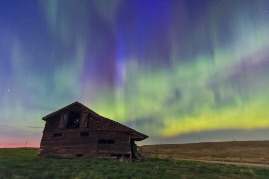 Aurora over Old Barn Looking North #1 (May 17, 2013)