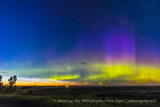 Northern Lights and Noctilucent Clouds (june 9, 2013)