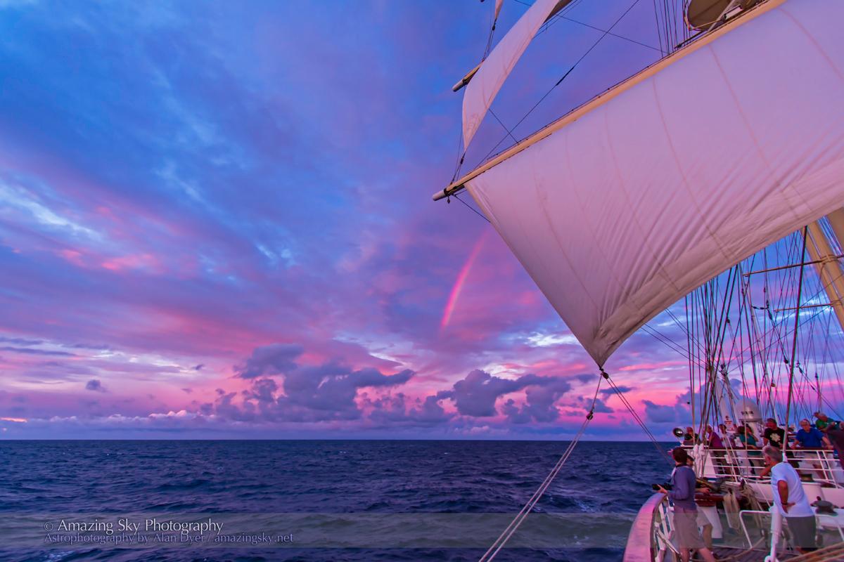 Red Rainbow over the Atlantic (Nov 8, 2013)
