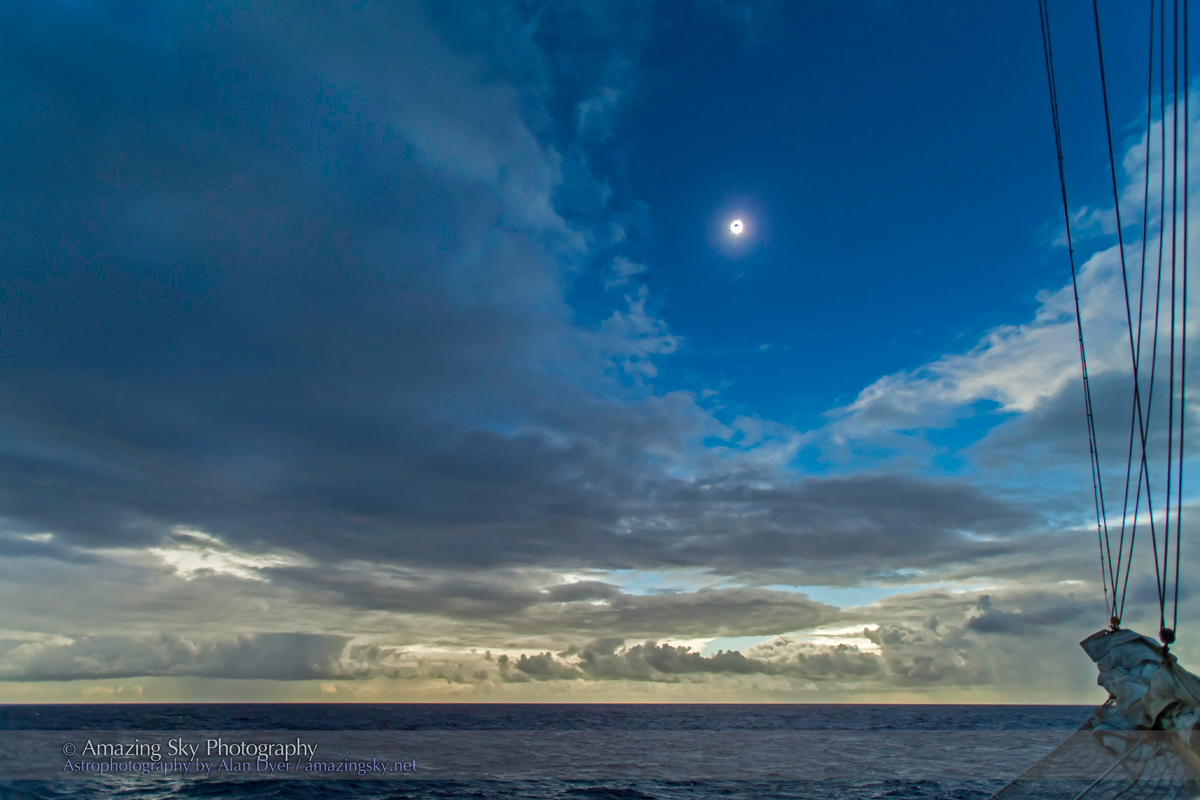 Total Solar Eclipse - 2nd Contact Diamond Ring (Nov 3 2013)
