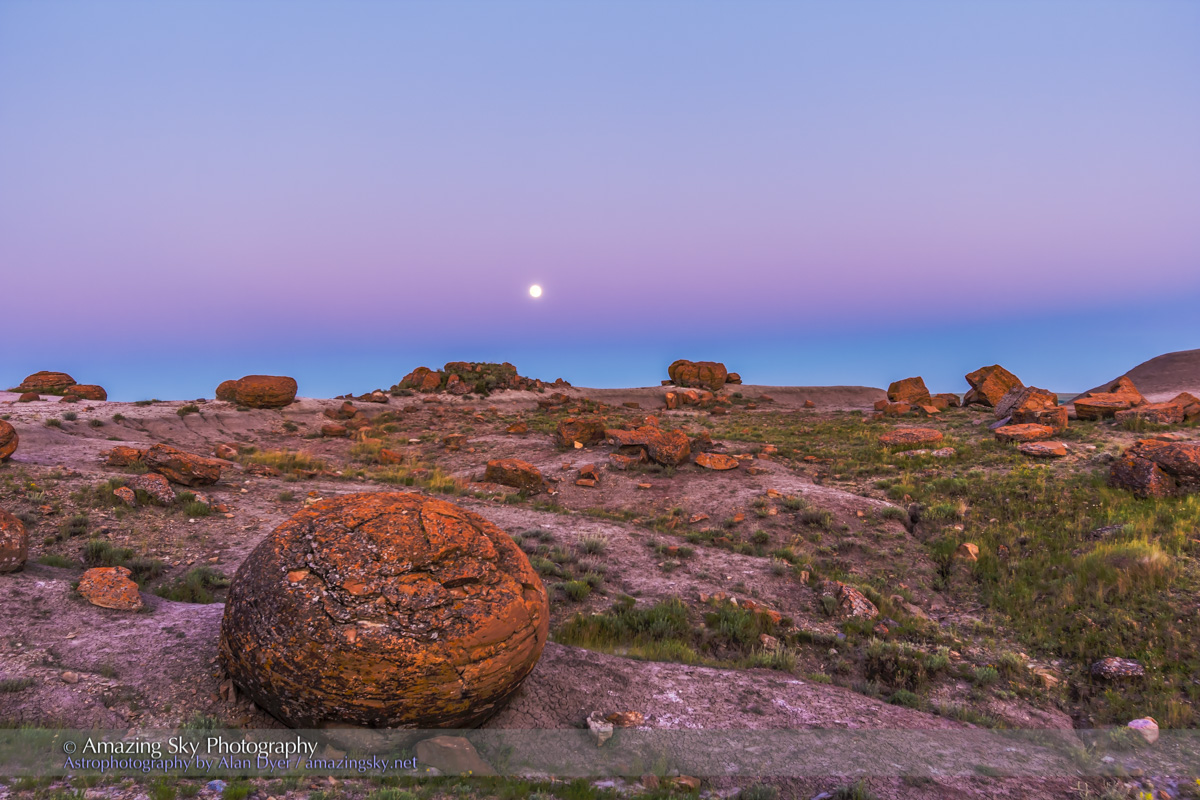 Super Moonrise at Red Rock Coulee
