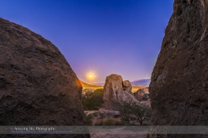 Full Moon at City of Rocks