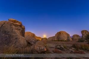 Moonrise at City of Rocks