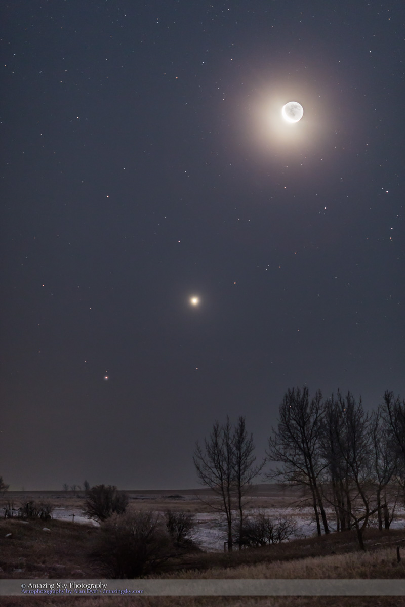 Waning Moon with Venus & Saturn (Jan 6, 2016)