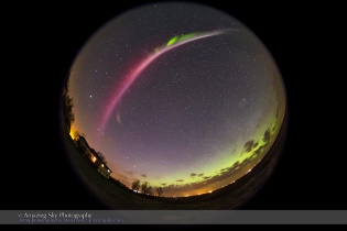 Red Auroral Arc #3 (May 10, 2015)