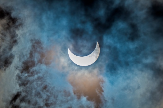 Partial Solar Eclipse in Cloud #1 (Oct 23, 2014)