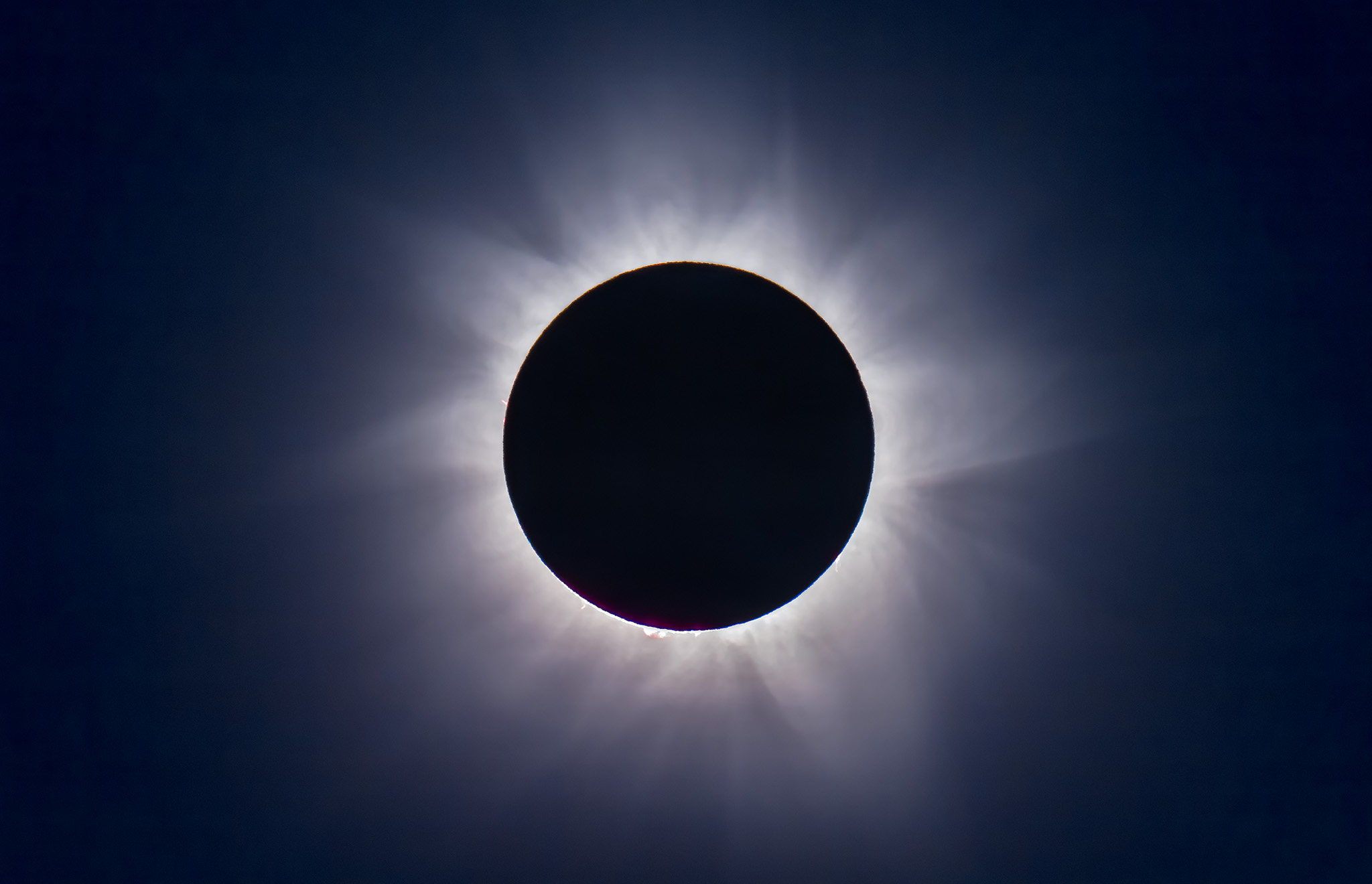 ten tips for the solar eclipse the amazing sky. Black Bedroom Furniture Sets. Home Design Ideas
