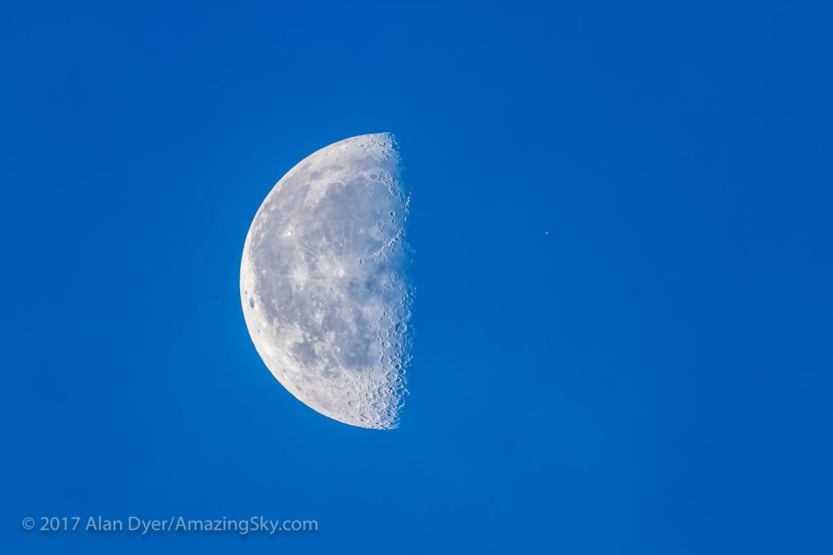 Aldebaran Near the Moon in Day Sky