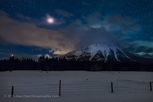 Total Lunar Eclipse over the Continental Divide