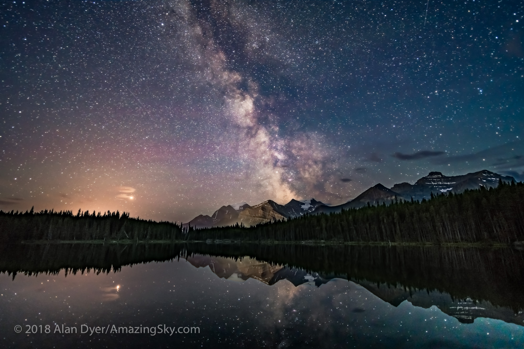 Mars and the Milky Way at Herbert Lake