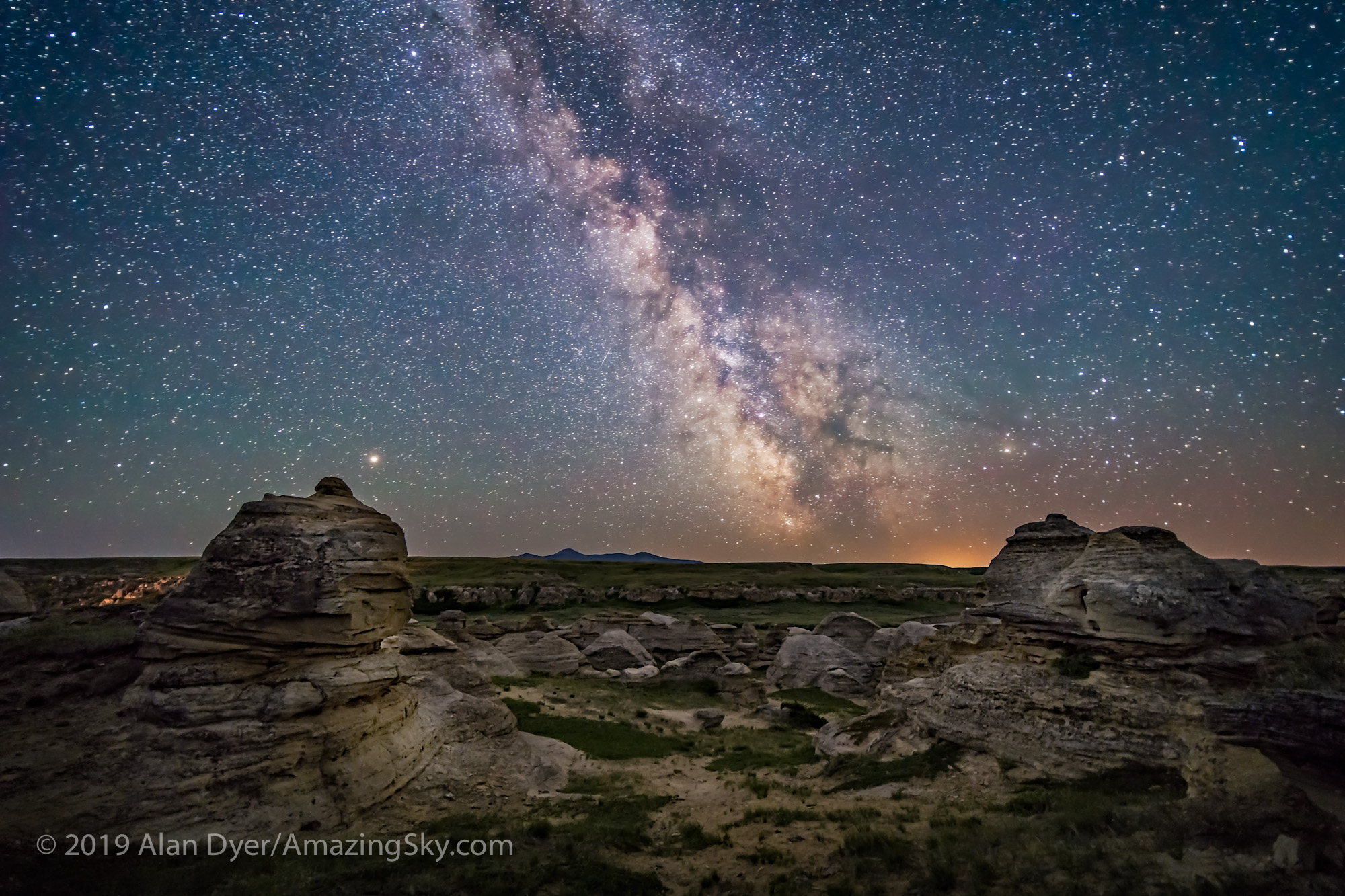 Mars and the Milky Way over Writing-on-Stone