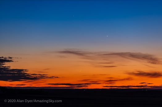 Thin Moon below Venus and Mercury